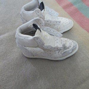 Nike Wedge Platform Shoes Size 5.5